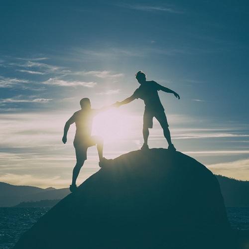 مدیران منابع انسانی سازمان ها می بایست ابتدا به شناخت کارکنان خود پرداخته و بر اساس این شناخت بدست آمده، در راستای انگیزه دادن به کارکنان اقدام کنند.