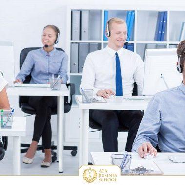 مذاکره تلفنی چیست؟ یکی از روش های بازاریابی بسیار متداول و موفق که کسب و کارها سال هاست از آن بهره را می برند، مذاکره و بازاریابی تلفنی است.